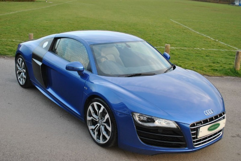 used Audi R8 V10 5.2 FSI Quattro Manual in west-sussex-surrey