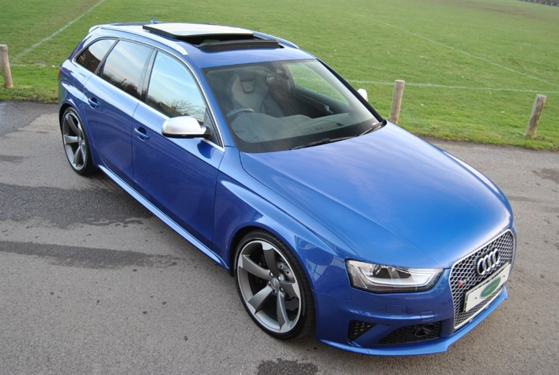 used Audi RS4 4.2 AVANT FSI QUATTRO - Pan Roof - Sports Exhaust in west-sussex-surrey