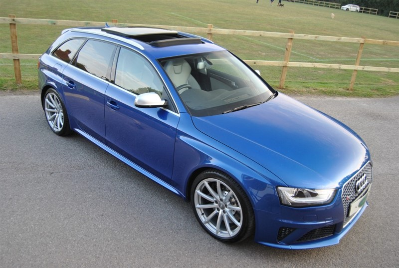 used Audi RS4 AVANT FSI QUATTRO in west-sussex-surrey
