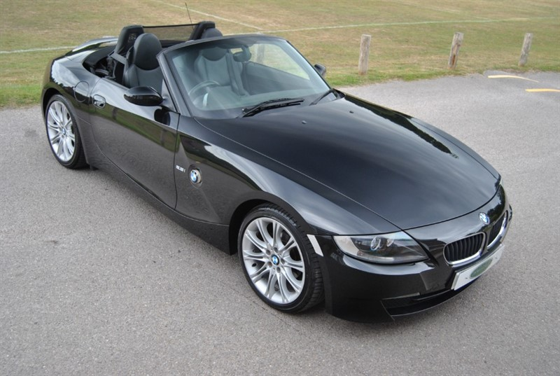 used BMW Z4 2.5i Sport - Only 28.000 Miles in west-sussex-surrey