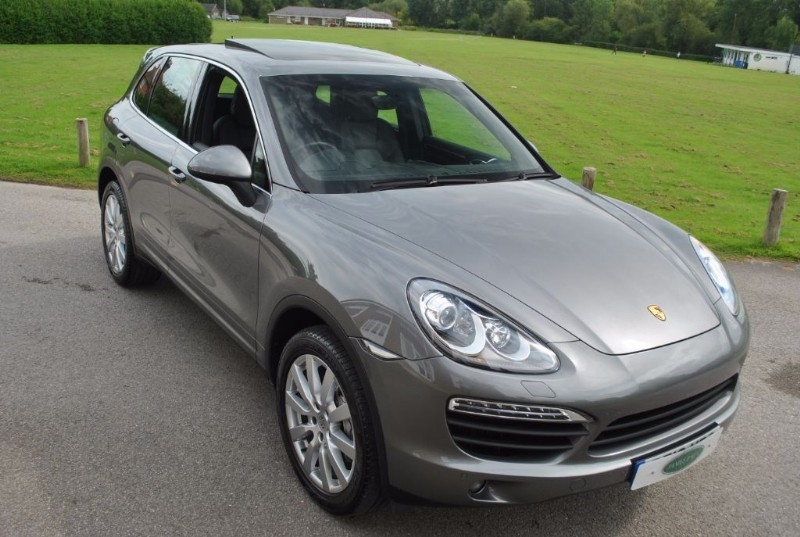 used Porsche Cayenne 4.2D V8 S TIPTRONIC S in west-sussex-surrey