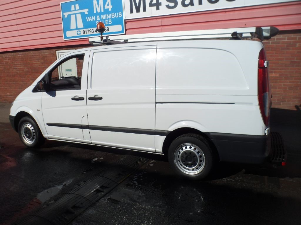 used white 2010 mercedes vito for 11 495 wiltshire. Black Bedroom Furniture Sets. Home Design Ideas