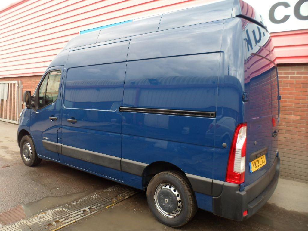 used blue 2013 renault master for 7 495 vat wiltshire. Black Bedroom Furniture Sets. Home Design Ideas