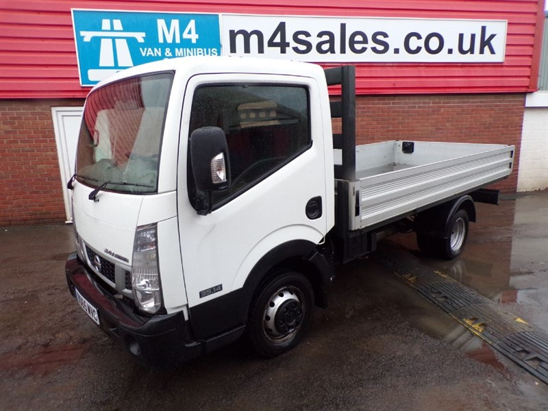 used Nissan Cabstar NT400 DCI 35.14 DROPSIDE in wiltshire