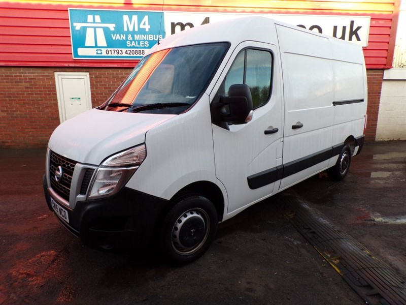 used Nissan NV400 DCI SE HIGH ROOF MWB L2 H2 125PS in wiltshire