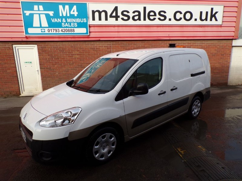 used Peugeot Partner E-HDI SE L2 750 in wiltshire