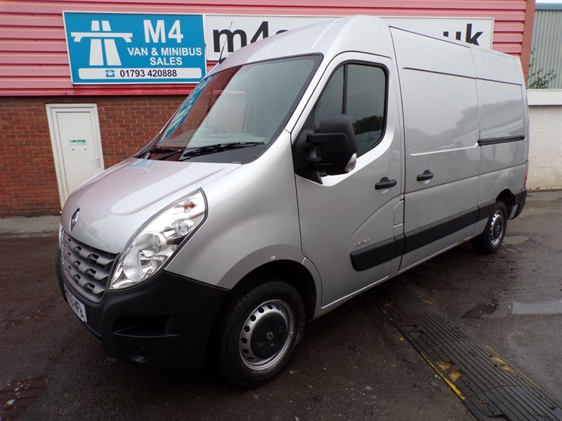 used Renault Master MM33 DCI MWB M/R 125PS  in wiltshire