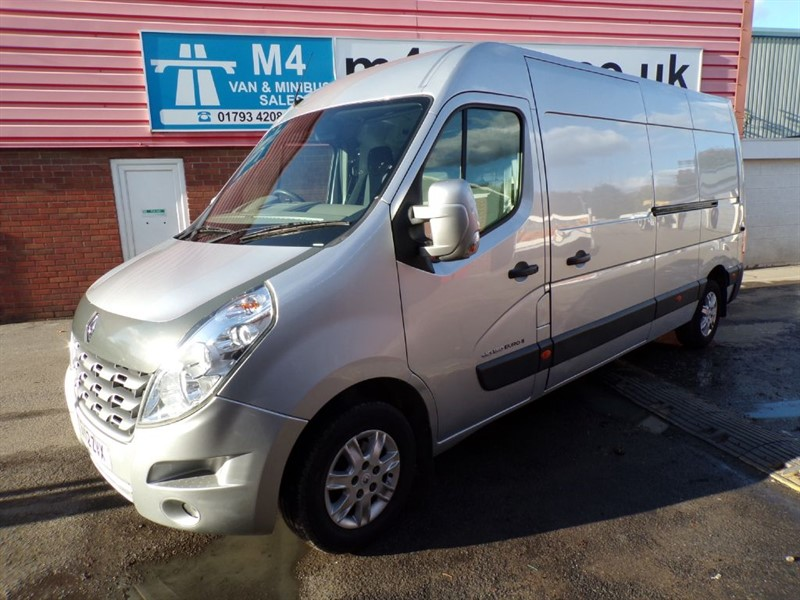 used Renault Master LM35 SPORT DCI LWB M/R A/C in wiltshire