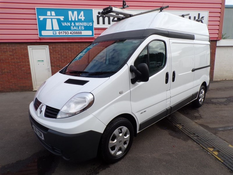used Renault Trafic LH29 DCI HIGH ROOF LWB WITH A/C 115PS in wiltshire