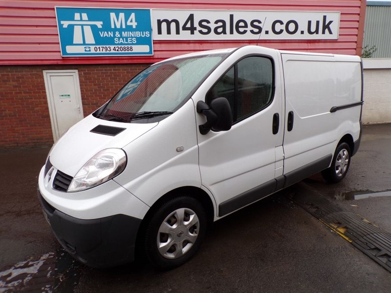 used Renault Trafic SL27 DCI L/R SWB A/C in wiltshire