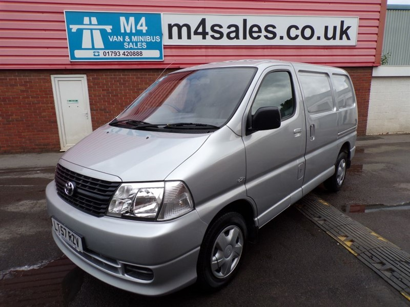 used Toyota Hiace HI-ACE 280 SWB D-4D 95PS in wiltshire