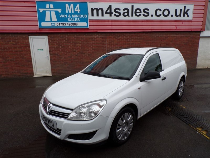 used Vauxhall Astra CDTI CLUB AUTO A/C in wiltshire