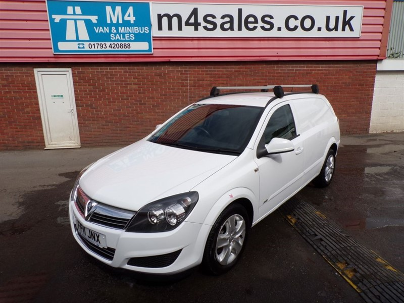 used Vauxhall Astra CDTI SPORTIVE A/C in wiltshire