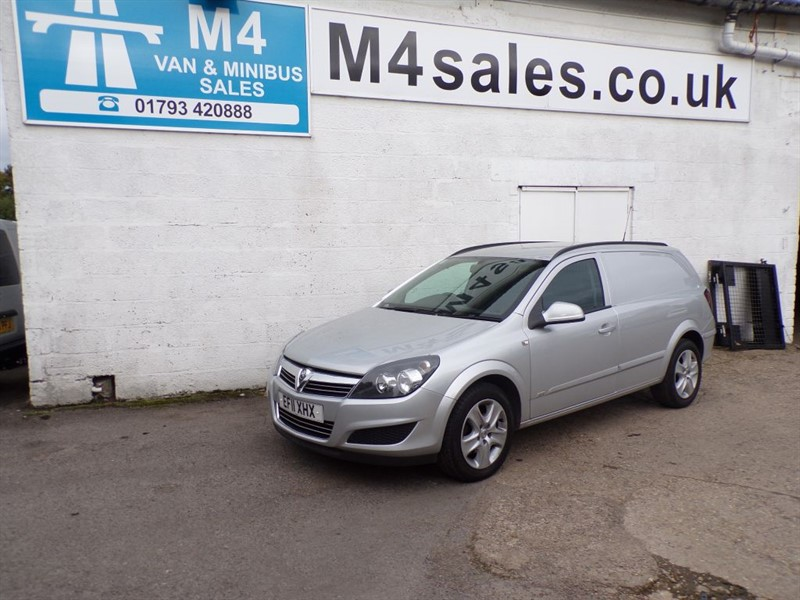used Vauxhall Astra SPORTIVE 1.7 A/C *NO VAT* in wiltshire