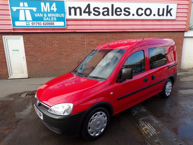 used Vauxhall Combo 2000 CDTI CREW VAN 75PS in wiltshire
