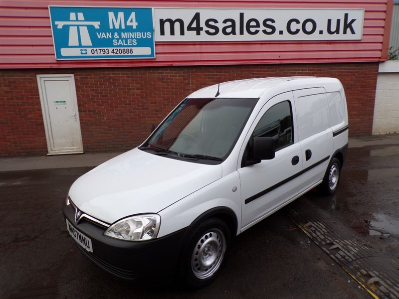 used Vauxhall Combo 2000 CDTI 1.3 SWB  in wiltshire