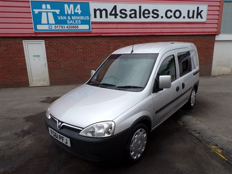 used Vauxhall Combo CREWVAN SWB CDTI A/C in wiltshire