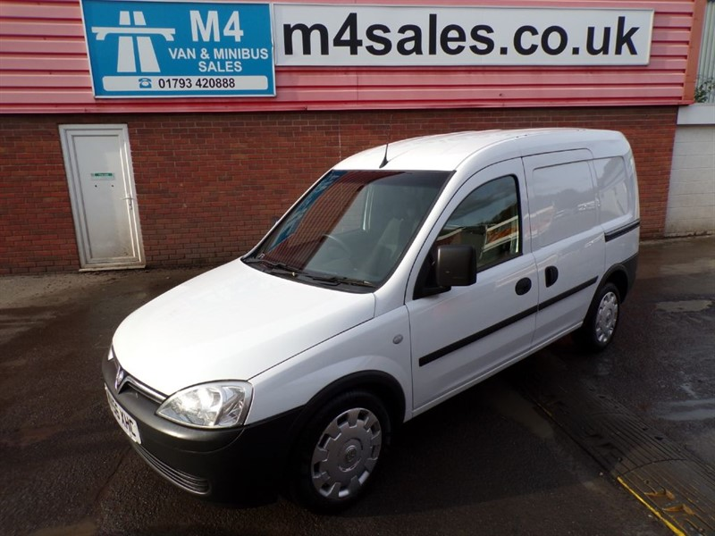 used Vauxhall Combo 2000 CDTI SWB  in wiltshire