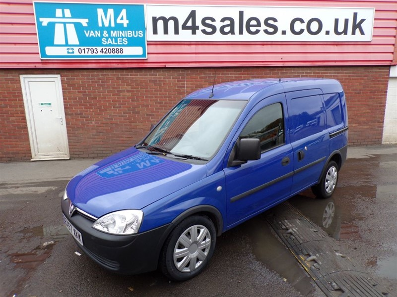 used Vauxhall Combo 2000 CDTI SWB WITH A/C *NO VAT* in wiltshire