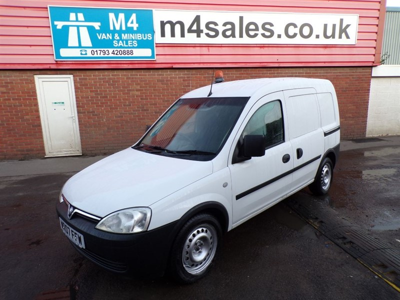 used Vauxhall Combo 2000 CDTI SWB 75PS in wiltshire
