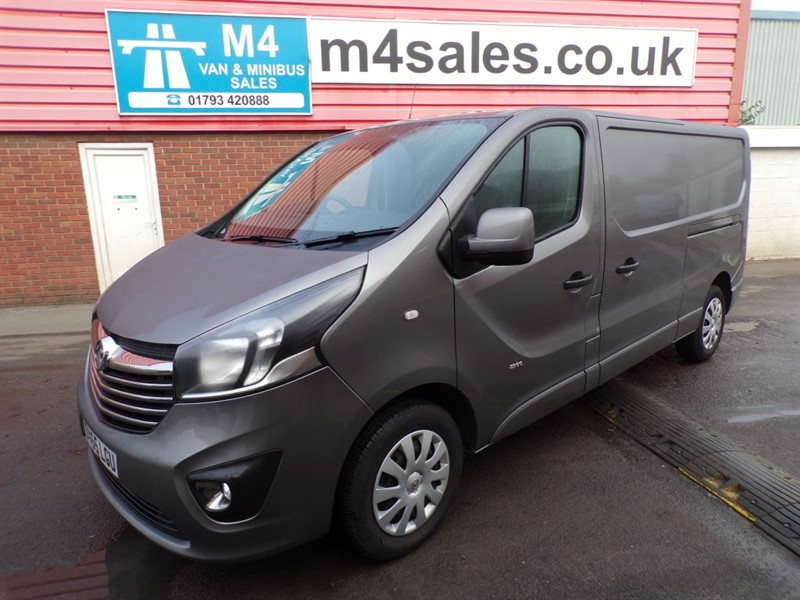 used Vauxhall Vivaro 2900 L2 H1 CDTI SPORTIVE LWB A/C in wiltshire
