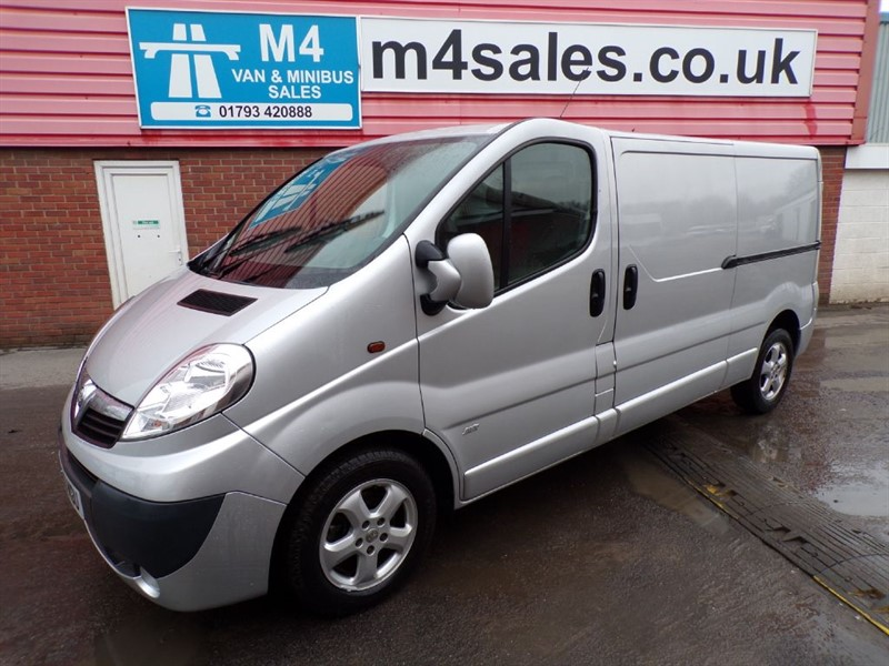used Vauxhall Vivaro 2900 CDTI SPORTIVE LWB L/ROOF 115PS WITH A/C in wiltshire