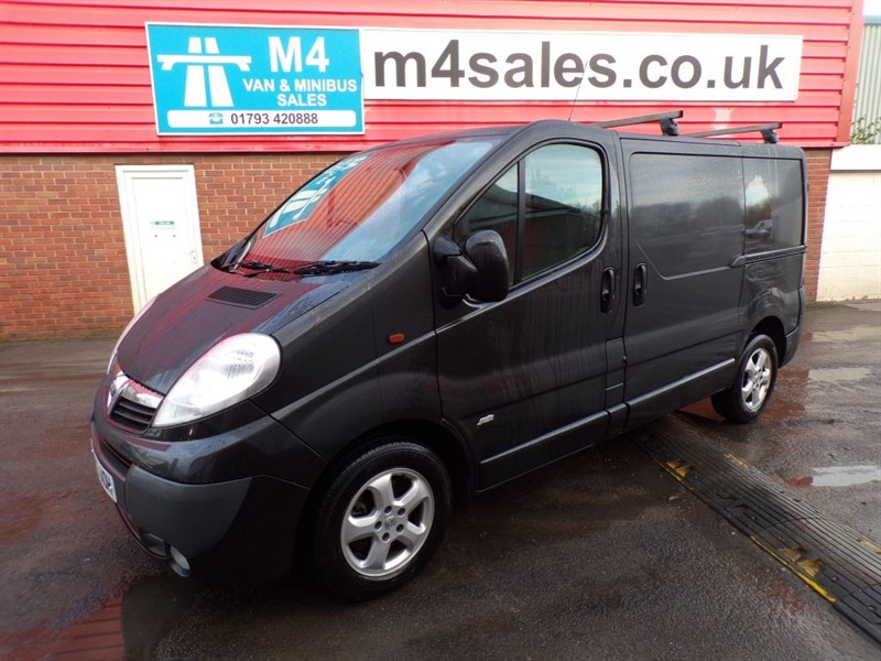 used Vauxhall Vivaro 2700 CDTI SPORTIVE 115PS A/C in wiltshire