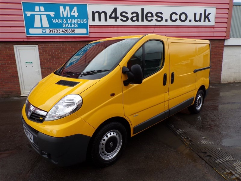 used Vauxhall Vivaro 2900 CDTI SWB 115PS WITH A/C in wiltshire