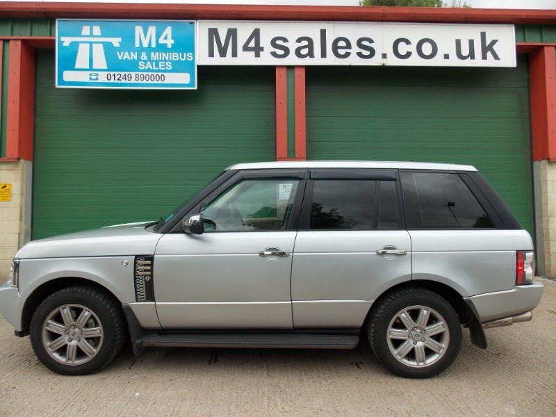 used Land Rover Range Rover Vogue 3.6 TDV8 Leather  in wiltshire