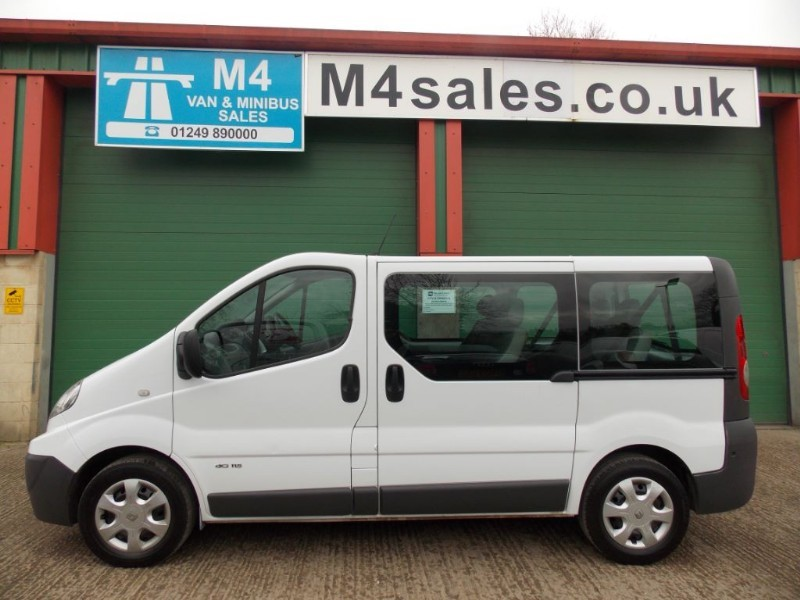 used Renault Trafic 115ps, 9st swb minibus,sat nav,a/con. in wiltshire