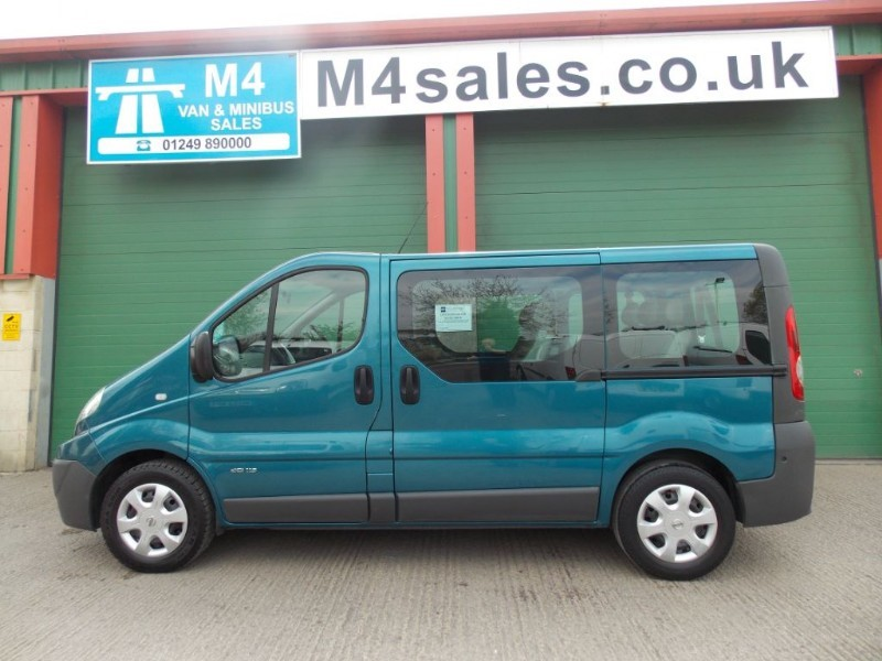 used Renault Trafic 115ps,9st minibus,s/nav.**No Vat** in wiltshire