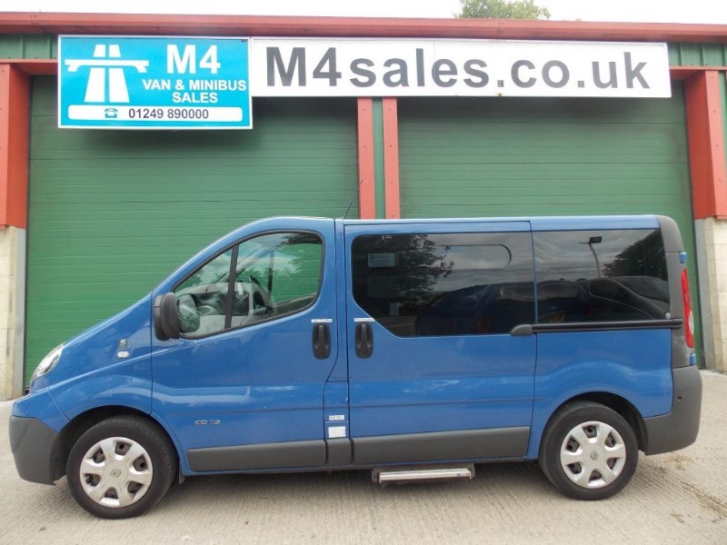 used Renault Trafic 115ps,8st minibus,A/c in wiltshire