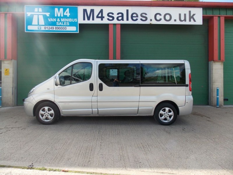 used Renault Trafic 115ps,9st lwb sport minibus,A/con. in wiltshire