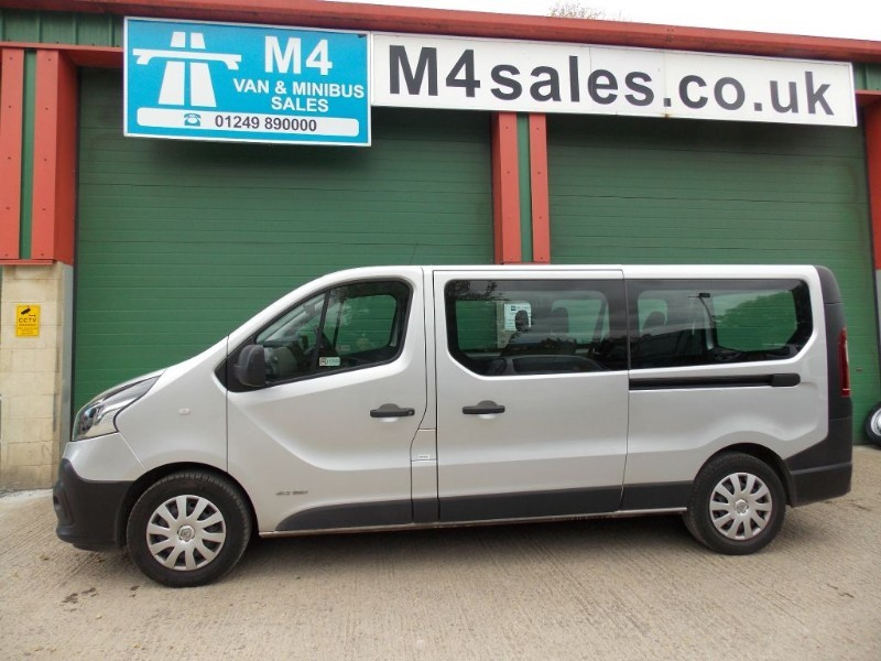 used Renault Trafic 9 Seat Lwb minibus,A/con in wiltshire