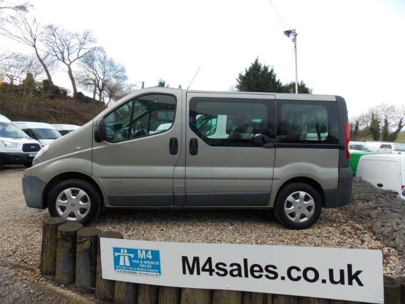 used Renault Trafic 115ps,9 seat minibus.**No Vat** in wiltshire