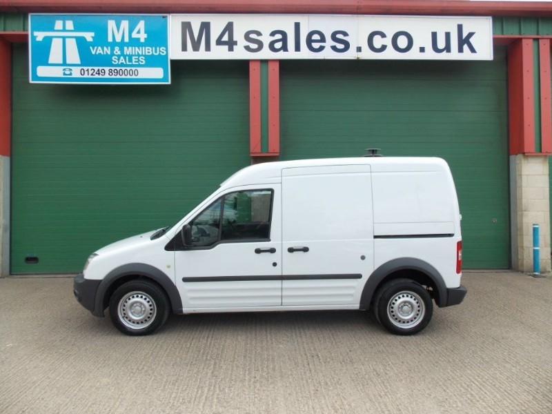 used Ford Transit Connect 90ps,T230 lwb hitop van,fsh. in wiltshire