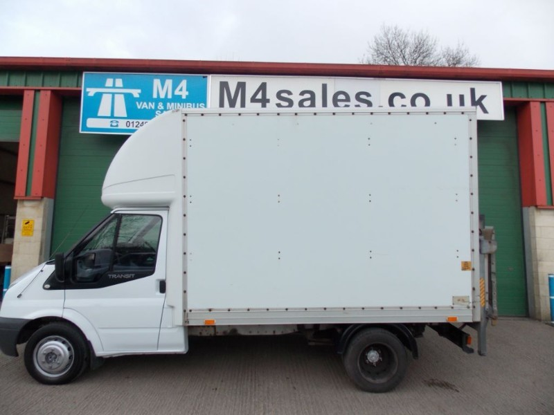 used Ford Transit 350 Mwb Luton Taillift 10.5FT Body in wiltshire