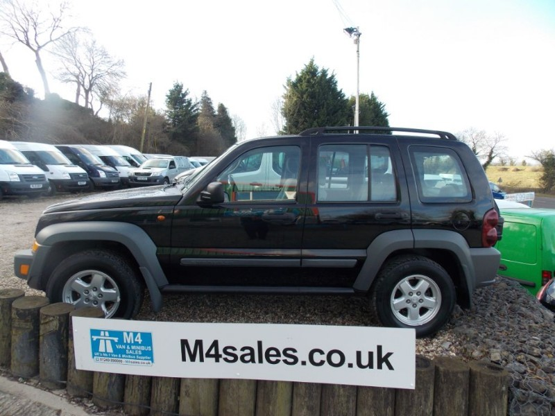 used Jeep Cherokee SPORT 2.8 CRD 4X4 in wiltshire