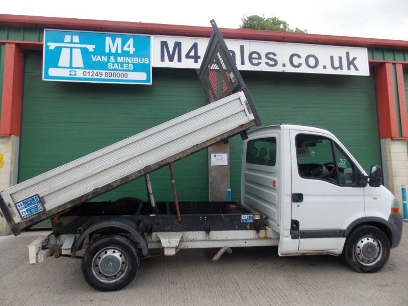 used Renault Master 2.5dci, Mwb Tipper.**No Vat** in wiltshire