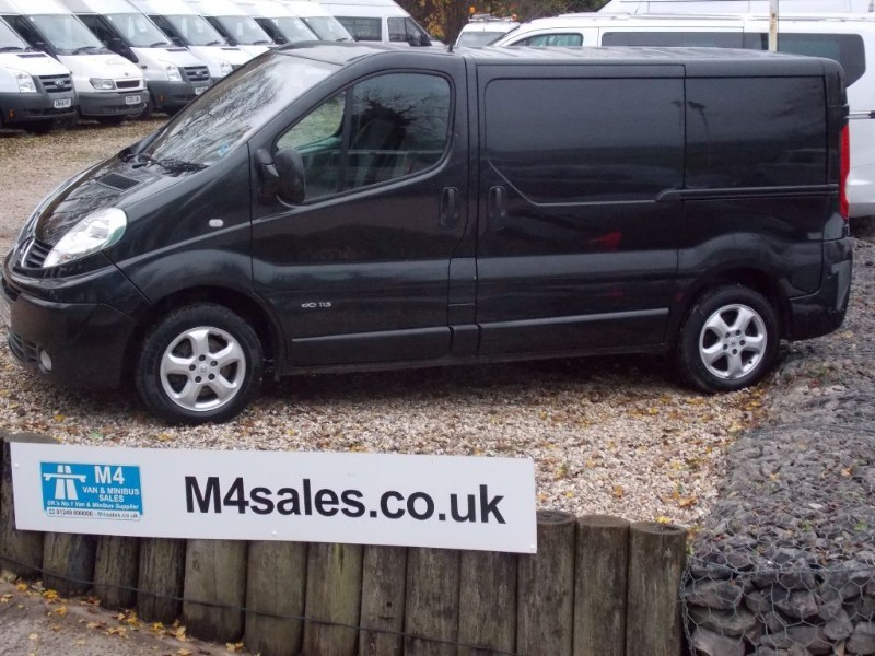 used Renault Trafic SL27 SPORT SWB DCI in wiltshire