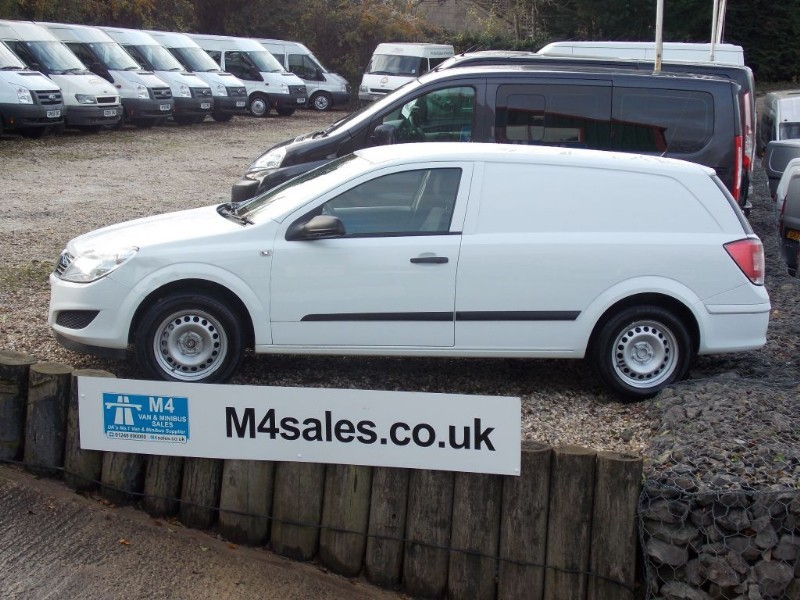 used Vauxhall Astra CLUB 1.3 CDTI NO VAT  in wiltshire
