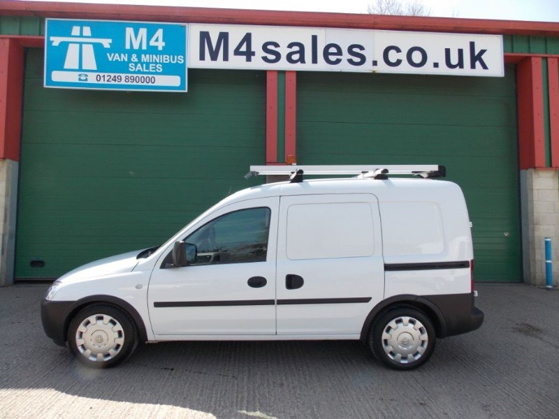 used Vauxhall Combo 2000 1.3 CDTI A/C in wiltshire