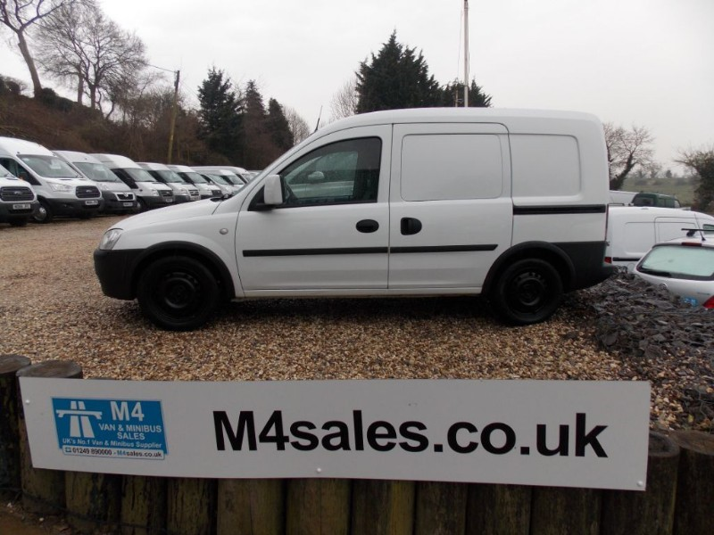 used Vauxhall Combo 1700 CDTI Side Loading Door in wiltshire
