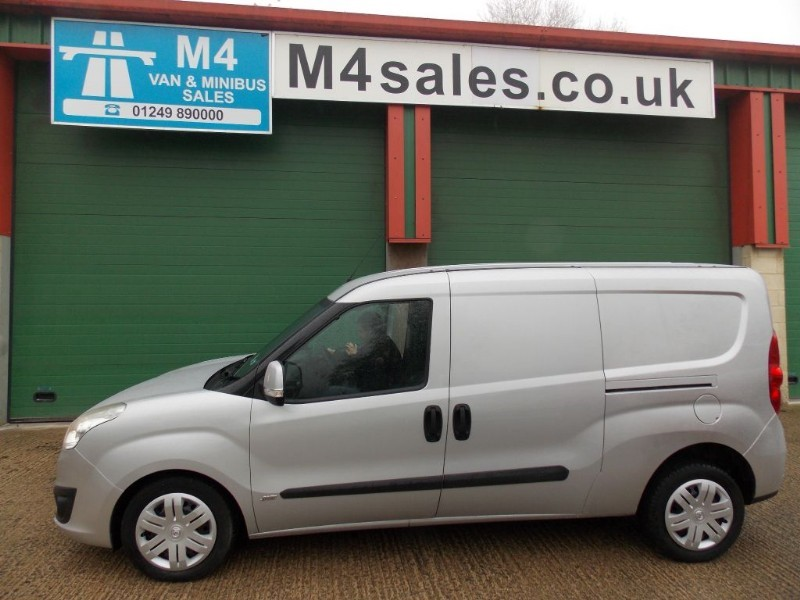 used Vauxhall Combo 2300 L2H1 CDTI S/S SPORTIVE in wiltshire
