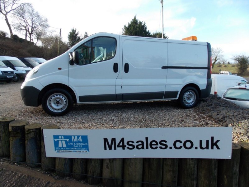 used Vauxhall Vivaro 2900CDTI LWB AIRCON, TAILGATE in wiltshire