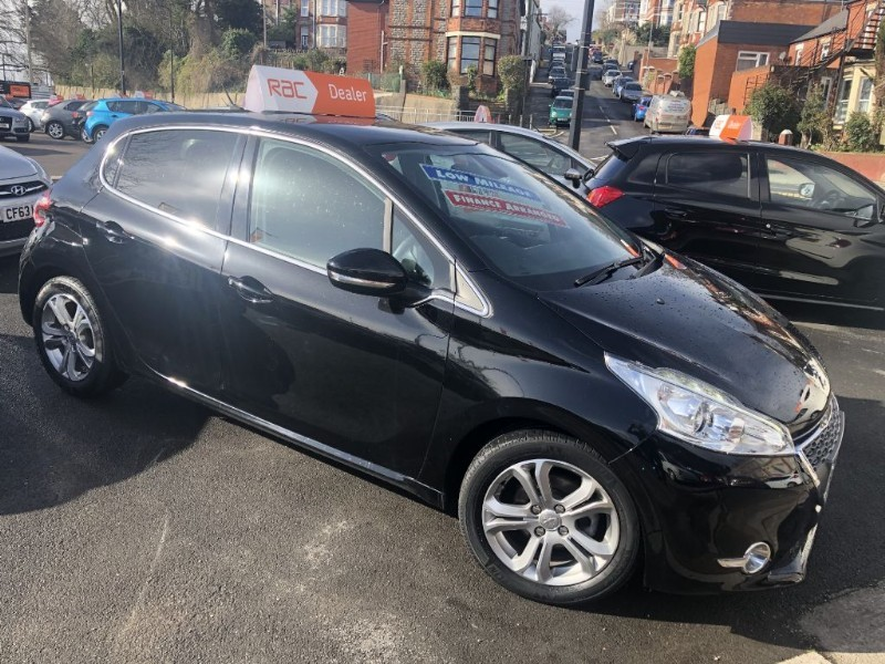 used Peugeot 208 ALLURE in glamorgan