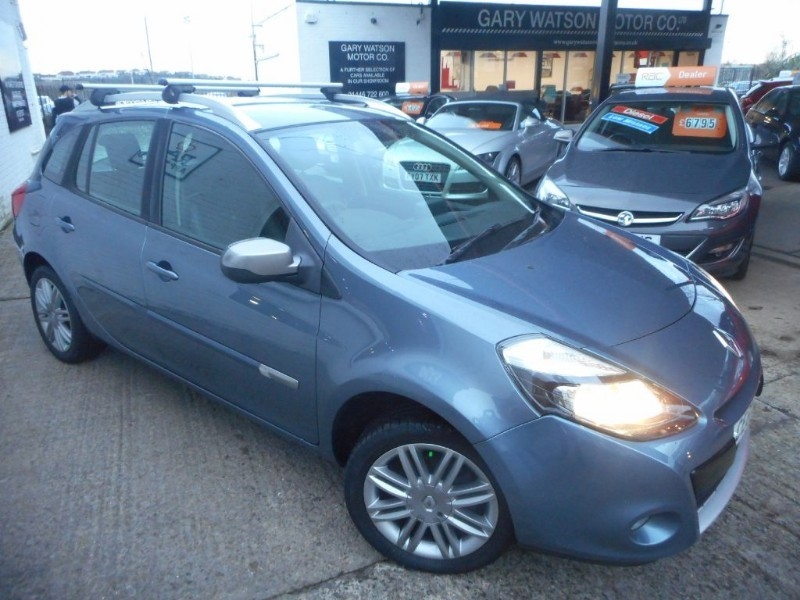 used Renault Clio DYNAMIQUE TOMTOM 16V in glamorgan