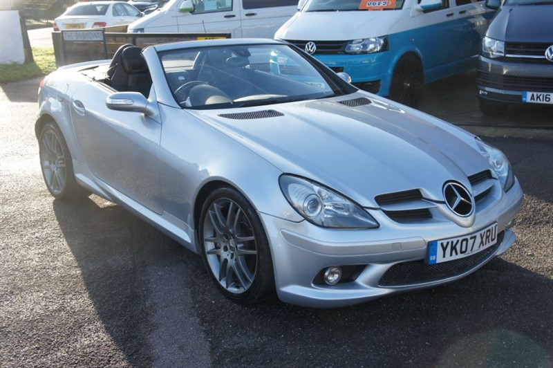 used Mercedes SLK200 MERCEDES SLK 200 CONVERTIBLE in new-haw-surrey