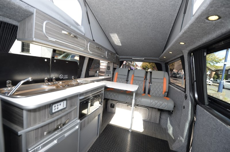 used VW Transporter 3 SEATER RIB BED T30 TDI AUTO DSG + TAIL GATE + CAPTAIN SEATS + CAMPER + T5 T6 CAMPERVANS + 4 Berth in new-haw-surrey