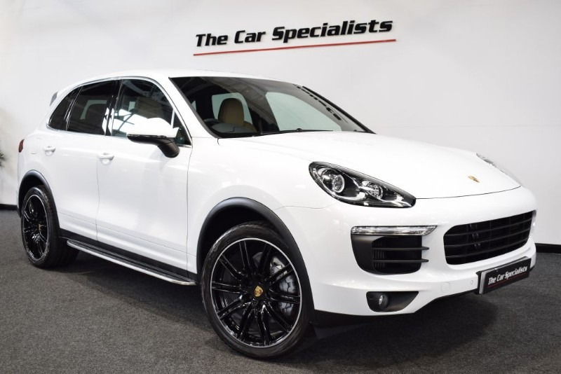 "used Porsche Cayenne 3.6 V6 S TIPTRONIC S 420BHP 21"" ALLOY WHEELS SAT NAV BLUETOOTH SIDE STEPS in sheffield"